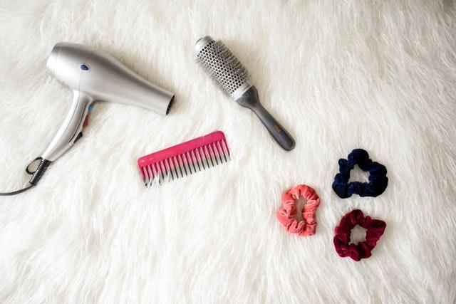 Wybieramy szczotkę do rozczesywania włosów